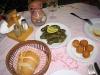 Dolmades und Käsebällchen